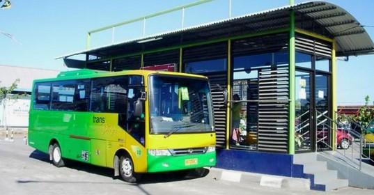 Naik Bus